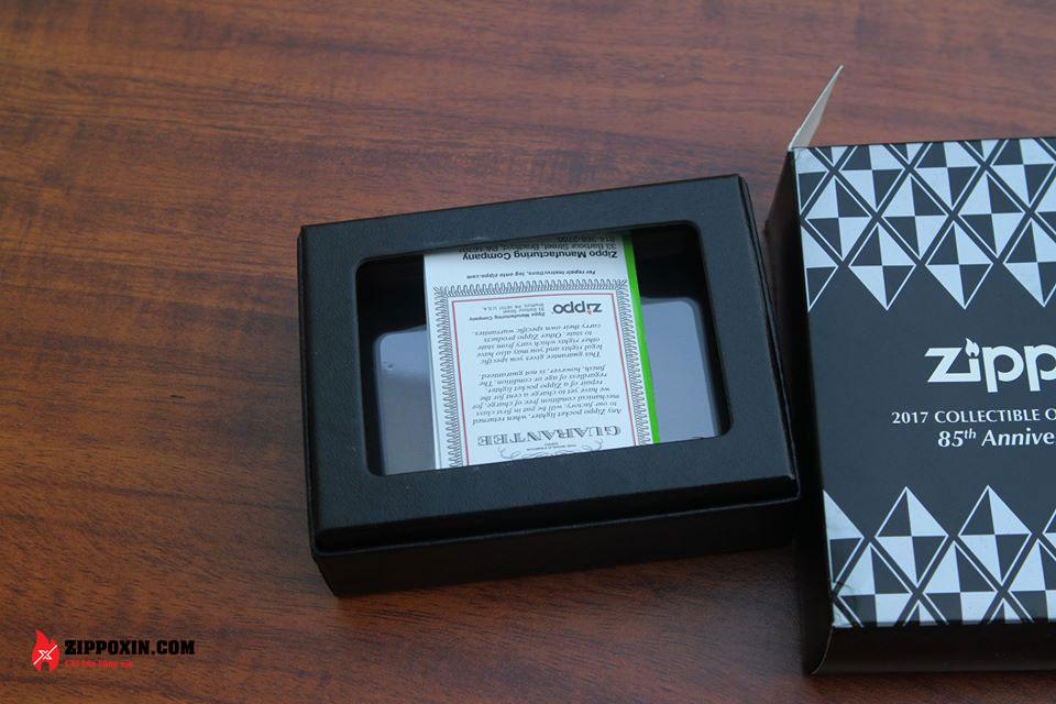Bật lửa Zippo kỷ niệm 85 năm - Zippo 85th Anniversary Collectible 29442-6