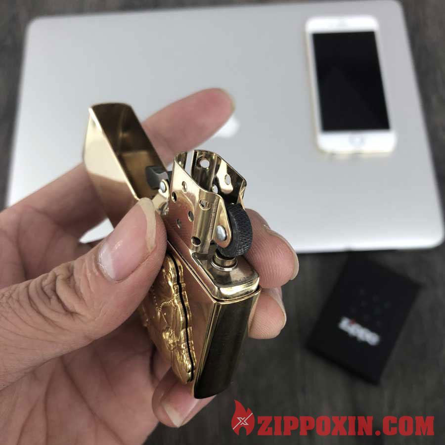 Hộp quẹt Zippo nụ cười may mắn của thần Buddha 29626 8