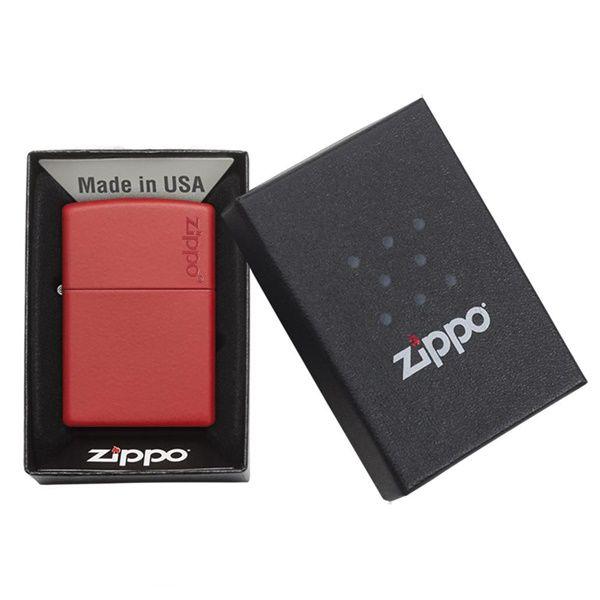 https://zippoxin.com/wp-content/uploads/2018/08/bat-lua-zippo-son-tinh-dien-mau-do233ZL.3.jpg