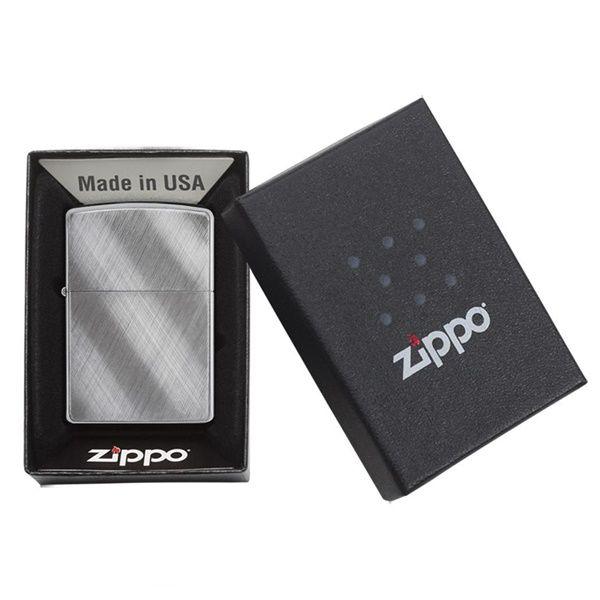 https://zippoxin.com/wp-content/uploads/2018/08/bat-lua-zippo-xuoc-van-cheo-28182.3.jpg