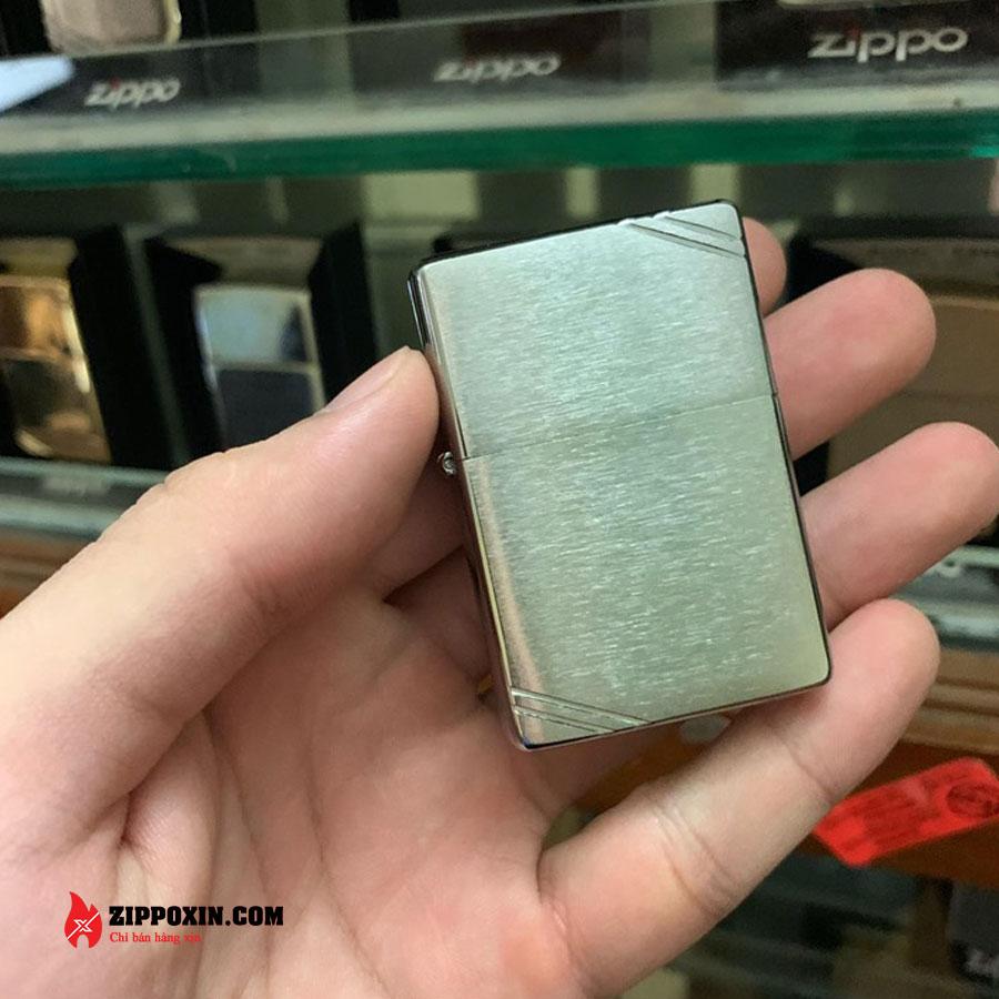 Bật lửa Zippo chặt góc nhám bạc 230-1