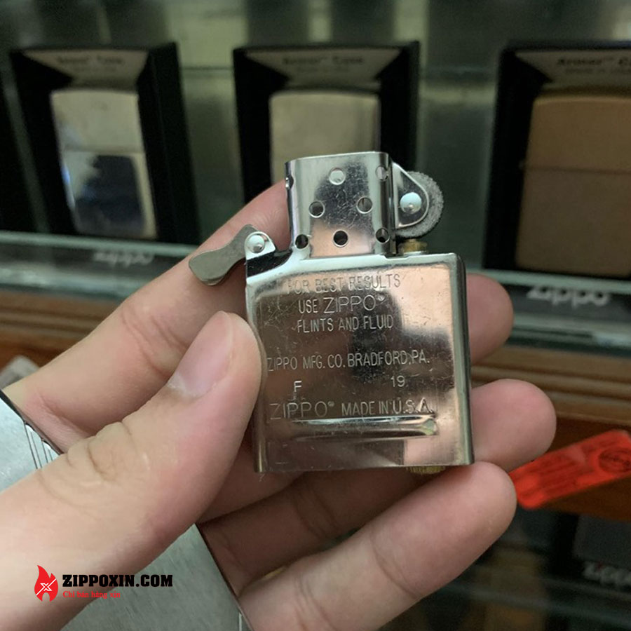 Bật lửa Zippo chặt góc nhám bạc 230-3