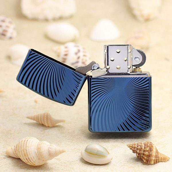 https://zippoxin.com/wp-content/uploads/2018/09/bat-lua-zippo-vo-day-xanh-bang-titan-62TIBL-WAVE2.jpg