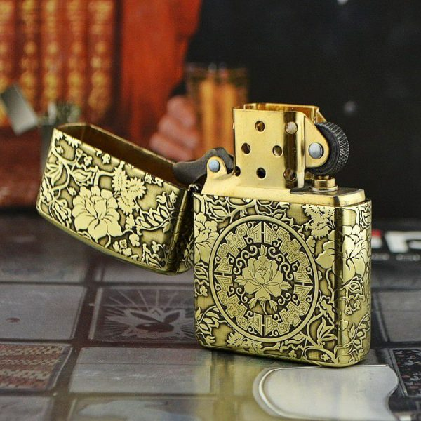 https://zippoxin.com/wp-content/uploads/2018/10/zippo-armor-vo-day-hoa-tiet-hoa-mau-don-zp-md1.3.jpg