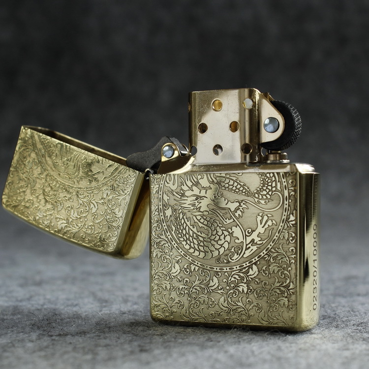 https://zippoxin.com/wp-content/uploads/2018/10/zippo-vo-day-long-phung-xum-vay-zp25.4.jpg