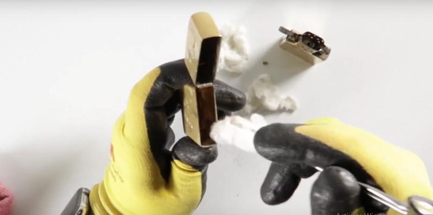 Bí kíp xử lý zippo bị vô nước cho người mới chơi 4