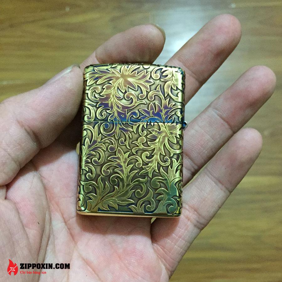 Bật lửa zippo hoa văn cổ mạ vàng đen 2GI-5KARA-3