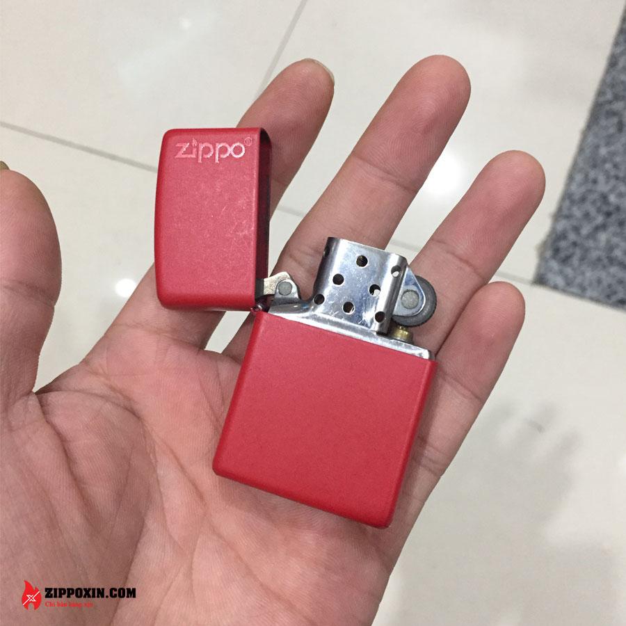 Bật lửa Zippo sơn tĩnh điện đỏ 233ZL-2
