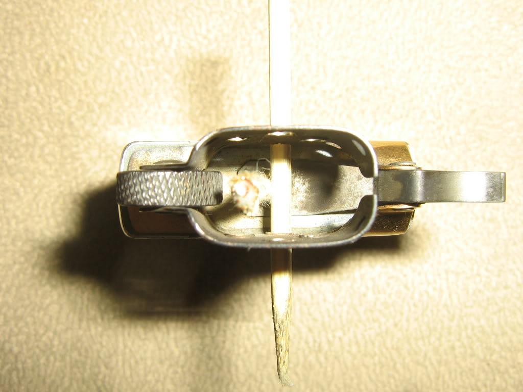 Cách chỉnh lửa Zippo cho ngọn lửa đẹp và tiết kiệm xăng 2