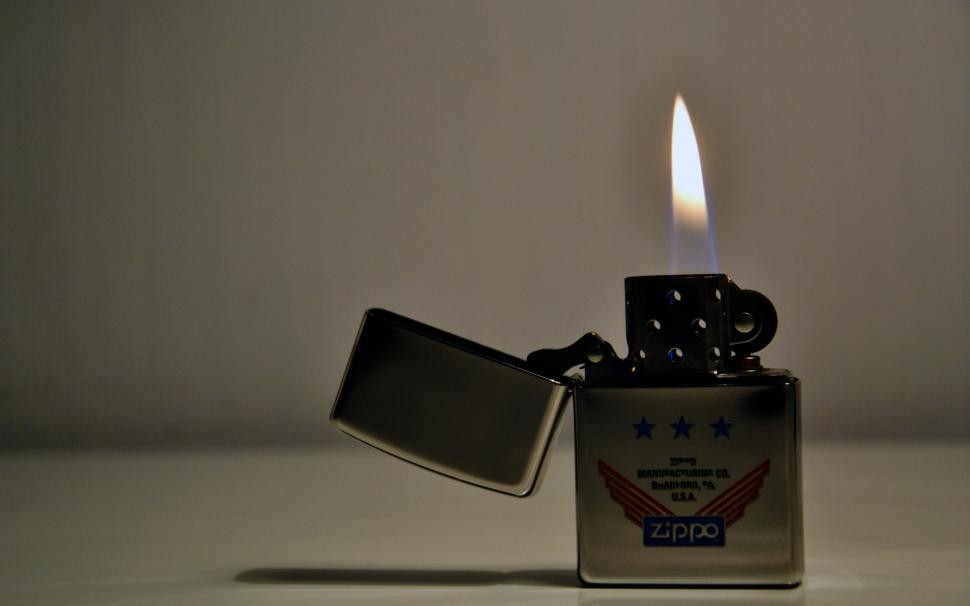 Cách chỉnh lửa Zippo cho ngọn lửa đẹp và tiết kiệm xăng