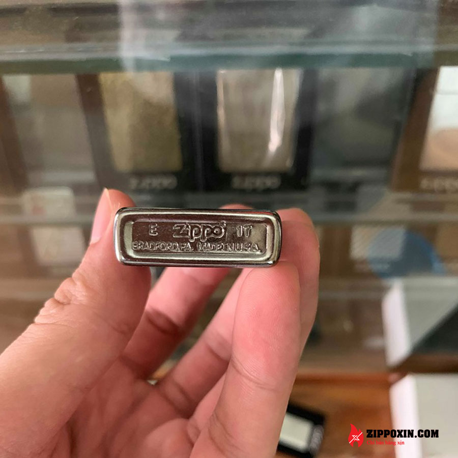 Bật lửa Zippo Slim Stret Chrome xước 1607-2