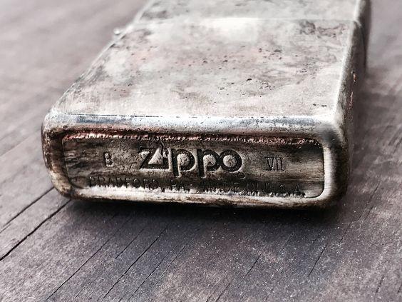 Vì sao bật lửa Zippo lại bị bẩn?