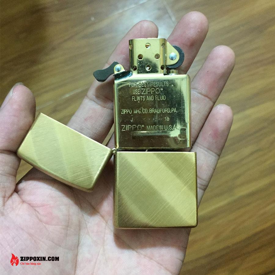 Bật Lửa Zippo Xước Xéo Vàng 29675-7